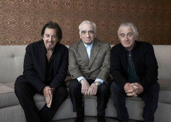 """En esta foto del 30 de septiembre de 2019, de izquierda a derecha, el actor Al Pacino, el director Martin Scorsese y el actor Robert De Niro posan para promocionar su película """"The Irishman"""" (""""El irlandés"""") en Nueva York. (Foto por Victoria Will/Invision/AP)"""