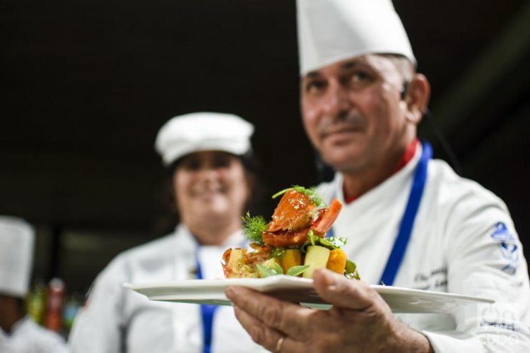 Chefs cubanos durante el VII Festival Internacional Culinario, celebrado en La Habana, del 14 al 18 de octubre de 2019. Foto: Otmaro Rodríguez.