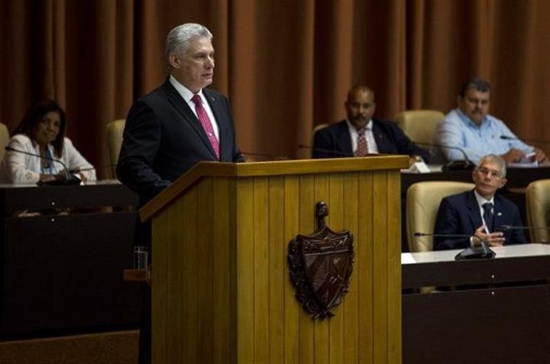 Miguel Díaz-Canel pronuncia un discurso tras su elección como Presidente de la República de Cuba por la Asamblea Nacional, el 10 de octubre de 2019. Foto: Irene Pérez/Cubadebate/EFE.