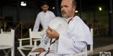 Osvaldo Doimeadiós en Oficio de isla. Foto: Otmaro Rodríguez