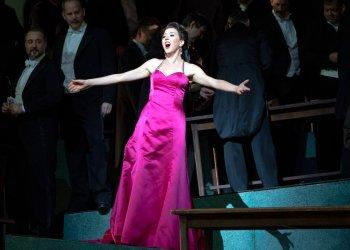 """La soprano de origen cubano Lisette Oropesa protagoniza una reposición de """"Manon"""" de Massenet en la Ópera Metropolitana de Nueva York. Foto: Marty Sohl/Ópera Metropolitana vía AP."""