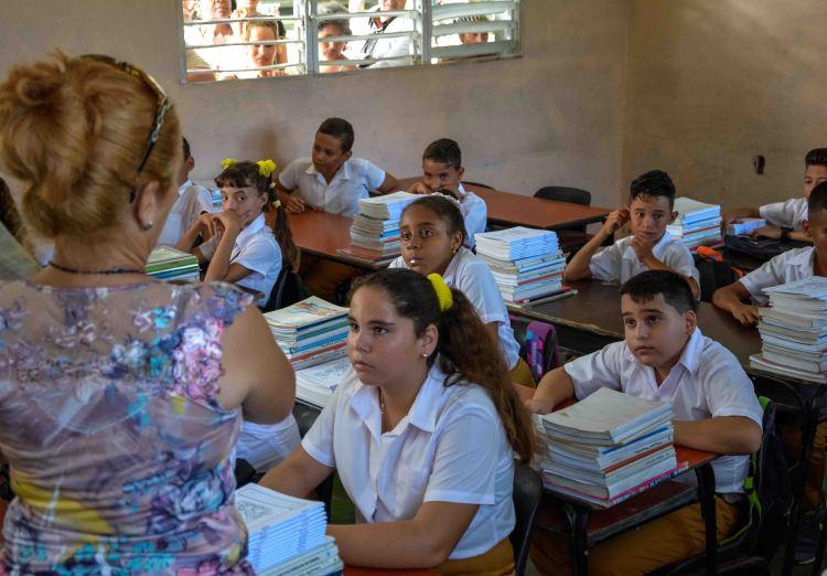 Escuela Secundaria Básica en Cuba. Foto: Yaciel Peña / ACN / Archivo.