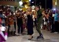 Pasarela Performance del diseñador Michel de Suárez, dedicada a los 500 años de La Habana, realizada en el habanero boulevard de San Rafael, el 29 de noviembre de 2019. Foto: Omara García / ACN.