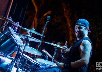 Dave Lombardo durante el concierto de Suicidal Tendencies en La Habana. Foto: Enrique Smith