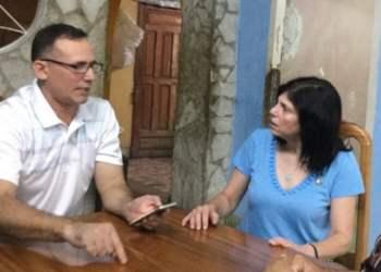 José Daniel Ferrer y la encargada de negocios de EE.UU. en Cuba, Mara Tekach. Foto: Twitter.