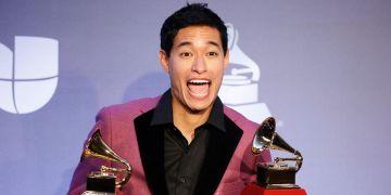 El percusionista peruano Tony Succar recibe los premios Grammy Latino a Productor del Año y Mejor Álbum de Salsa. Foto: https://elcomercio.pe/