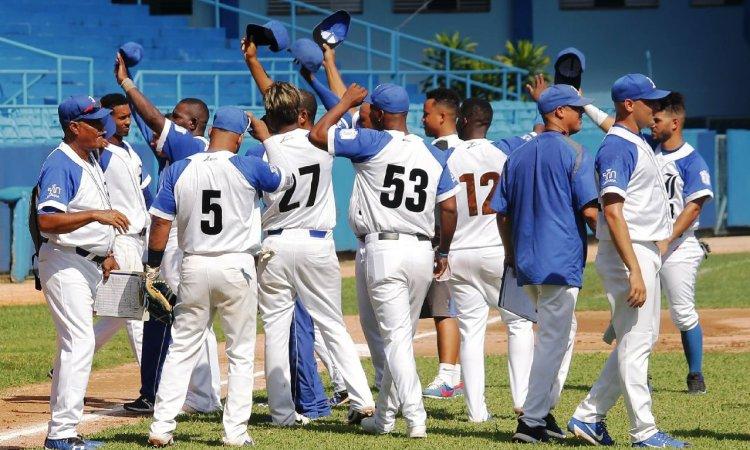 El equipo de Industriales logró su propósito de clasificar a la postemporada de la Serie Nacional 59. Foto: Boris Luis Cabrera / swingcompleto.com / Archivo.