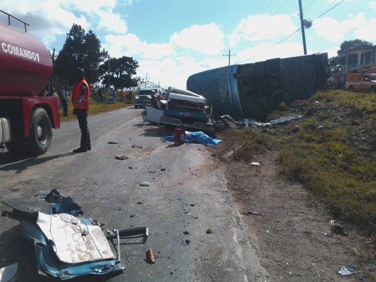 Accidente en Camagüey deja cuatro muertos y 26 lesionados. Foto: Felix Anazco/ Facebook