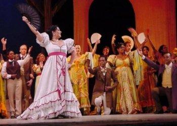 """Puesta de la zarzuela """"Cecilia Valdés"""", protagonizada por el Teatro Lírico Nacional de Cuba. Foto: Cuba Sí / Archivo."""