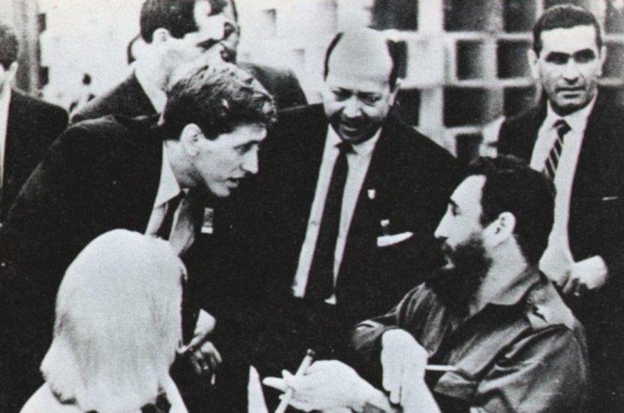 Bobby Fischer conversa con Fidel Castro, La Habana, 1966.
