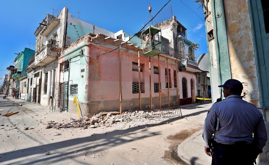 Resultado de imagen para Presidente cubano lamenta muerte de tres niñas por derrumbe en La Habana