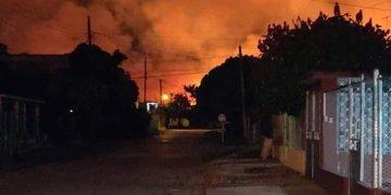 Incendio en la localidad de Artemisa, en el occidente cubano, el 21 de enero de 2020. Foto: @Artemisadiario / Facebook.