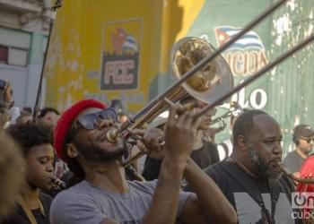 Desfile de artistas de Nueva Orleans y Cuba por la Habana Vieja como parte del 35 Festival Jazz Plaza, el 15 de enero de 2020. Foto: Otmaro Rodríguez.