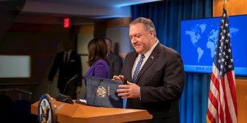 El Secretario de Estado de EE. UU., Mike Pompeo, durante conferencia de prensa en el Departamento de Estado en Washington. Foto: Erik S. Menor/EFE.