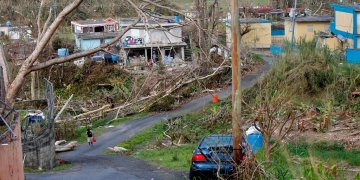 La foto del 26 de septiembre de 2017 muestra la devastación tras el paso del huracán María en Yabucoa, Puerto Rico. (AP Foto/Gerald Herbert)