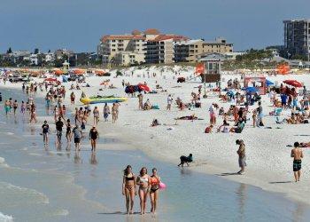 Foto tomada el 18 de marzo de 2020 de Clearwater Beach, Florida. Foto: AP/Chris O'Meara.