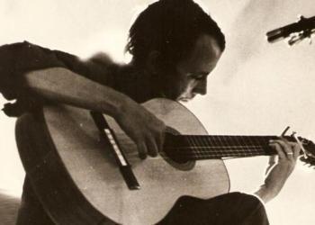 Silvio Rodríguez, en los tiempos en que sí fumaba.