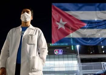 Al menos 590 médicos cubanos están en México para el combate a la pandemia de coronavirus. Foto: mexico.as.com / Archivo.