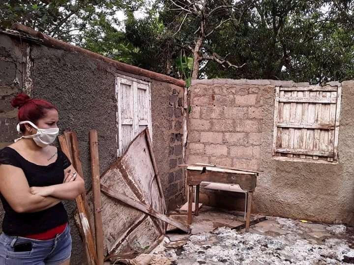 Daños causados por una tormenta local severa en Ciego de Ávila, en el centro de Cuba. Foto: Invasor / Facebook.