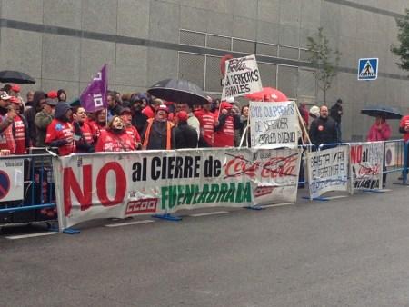 Concentración trabajadores de Coca Cola frente a los Juzgados