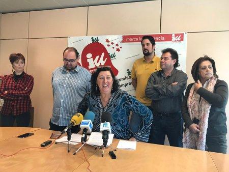 Teresa Fernández y parte de su equipo