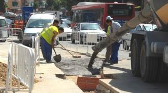 Mejora del tránsito en la confluencia de la calle Nazaret con paseo de Roma