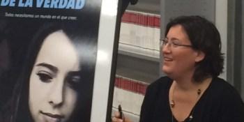 Shía Arbulú presenta su primera novela para un público juvenil