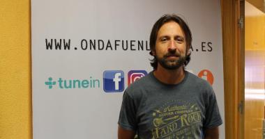 El cantante Kiko Barriuso visita Onda Fuenlabrada