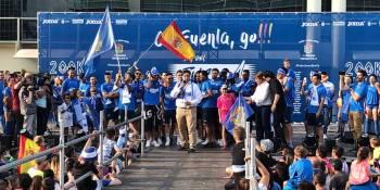 Miles de fuenlabreños celebran el ascenso del CF. Fuenlabrada a Segunda