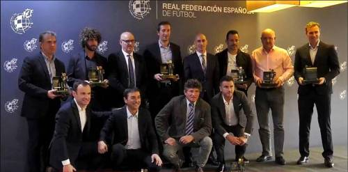 La RFEF premia a Mere como mejor entrenador del Grupo I de Segunda B