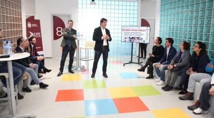 El Ayuntamiento entrega los 130.000 euros de las Ayudas a Emprendedores