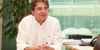 El alcalde de Fuenlabrada denuncia ante la Policía graves insultos en una red social de la portavoz de VOX