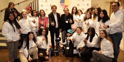 20 niñas de Fuenlabrada participan en 'Let´s bot', un programa para impulsar a las mujeres en carreras tecnológicas