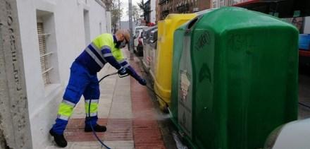 Los servicios de limpieza realizan 1.500 actuaciones especiales durante la semana