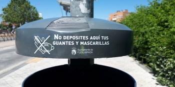 Campaña municipal contra el depósito de mascarillas y guantes en las papeleras de la ciudad