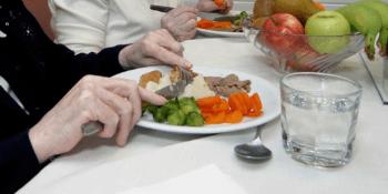 Fuenlabrada amplía el servicio de comida a domicilio más allá del Estado de Alarma
