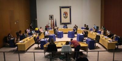 El Pleno aprueba pedir mayor número de profesionales en atención primaria, la reapertura de los centros de salud y más rastreadores