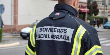 Bomberos de Fuenlabrada rescatan a una mujer de un incendio en su vivienda