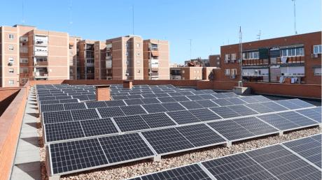 El Centro de Mayores Ramón Rubial se suma a las placas solares