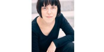 Pilar Adón protagonista del Café Literario