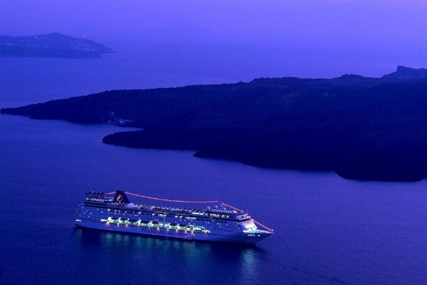 cruise-ship-980933_960_720.jpg