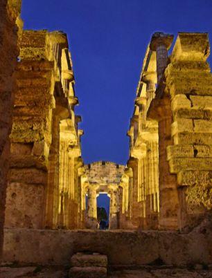 Interno Tempio di Nettuno