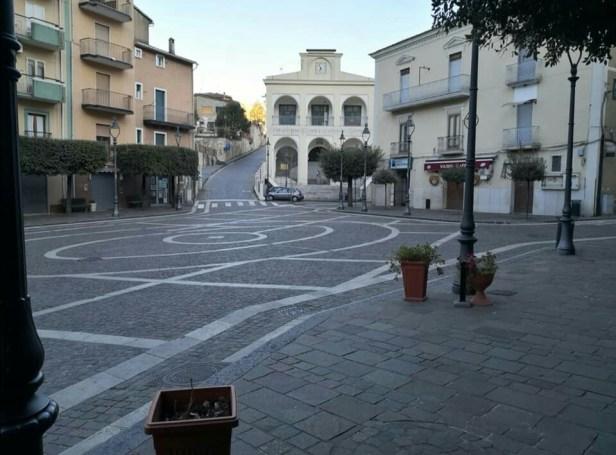 Piazza e Municipio di Piaggine
