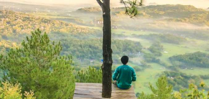 Vous courez dans tous les sens et n'avez pas une minute pour vous ? Alors vous avez besoin de 5 minutes de pauses. Voici un processus en 5 étapes pour retrouver bonheur et motivation. Pour rester motivé, revenir à l'essentiel, repartir de bon pied. A pratiquer en toute circonstance ! Cliquez pour lire l'article. #bonheur #motivation #inspiration #méditation #relaxation #penséepositive #développementpersonnel #joie #objectif #entreprendre