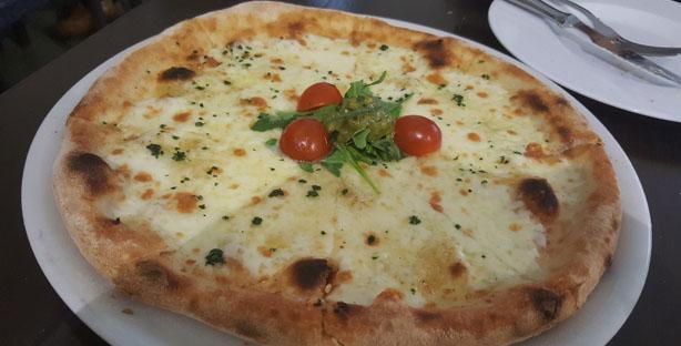 gulli mercatto restaurante italiano mercado cascais pastas pizzas bifes cascais pao de alho