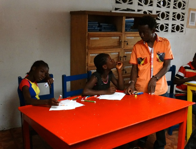 Alliance Francaise teacher & girls[1]