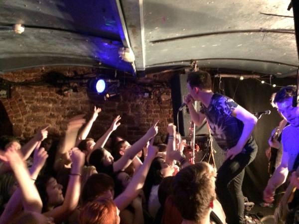 live I divide UK band