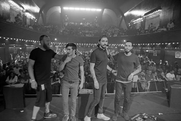 man is not a bird groupe live olympia paris