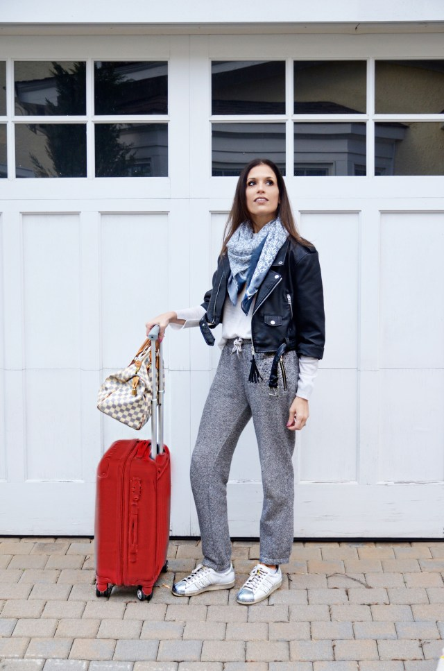 travel–outfit–fashion–comfortable