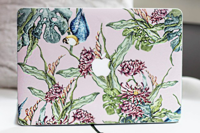 skin–laptop–design